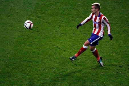 Ronaldo y Griezmann, en busca del gol en el derbi madrileño de mañana en el Bernabéu (16:00 h)