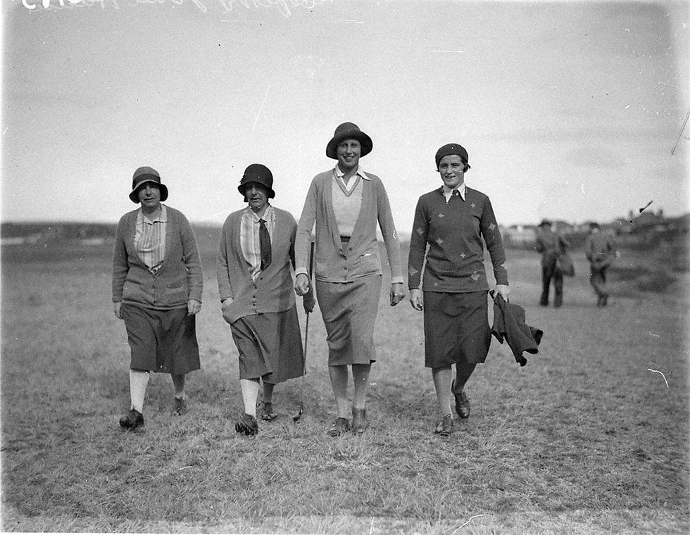 women golfers historic.jpg