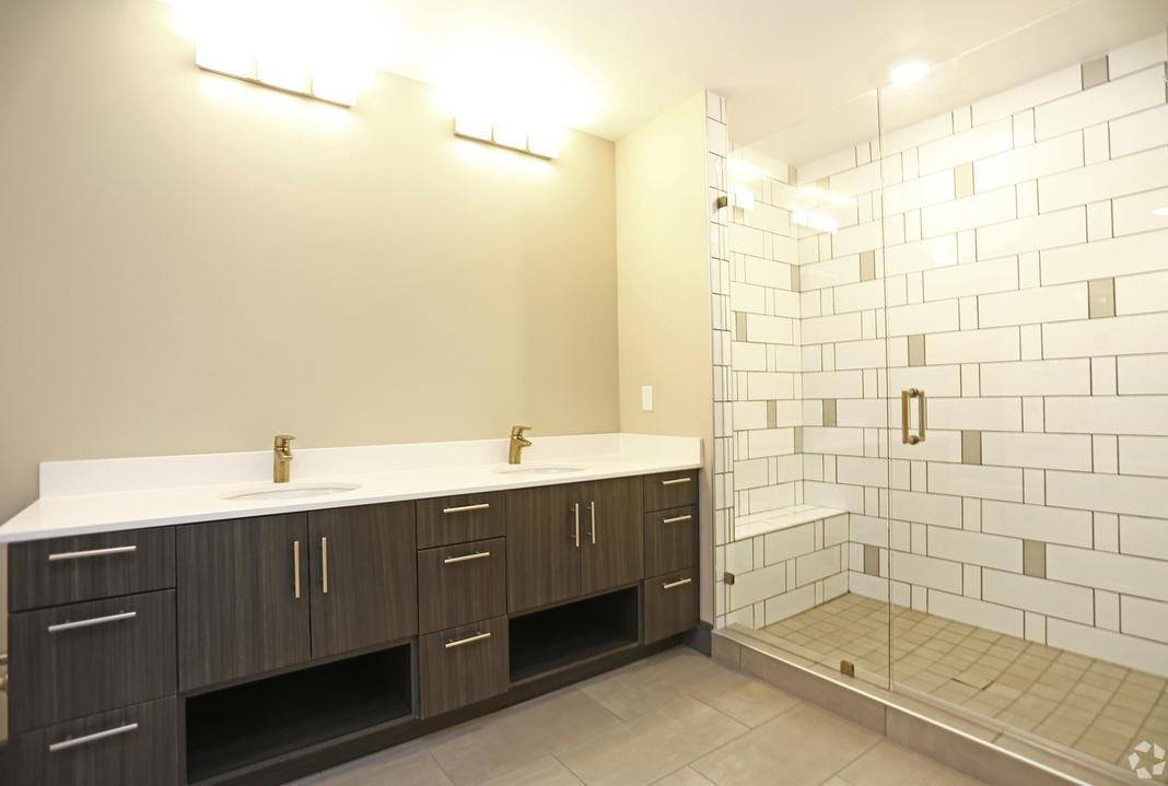 B4 Bathroom