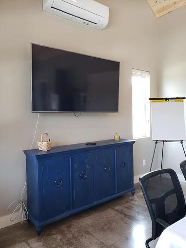 70 inch SMART TV for presentations