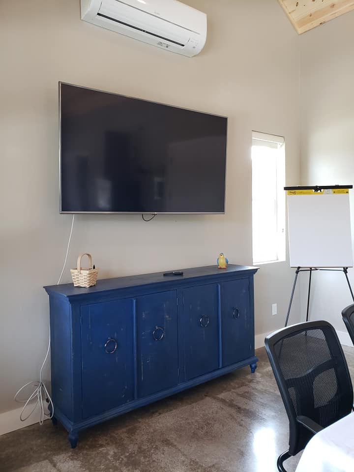 70 inch SMART TV for presentations
