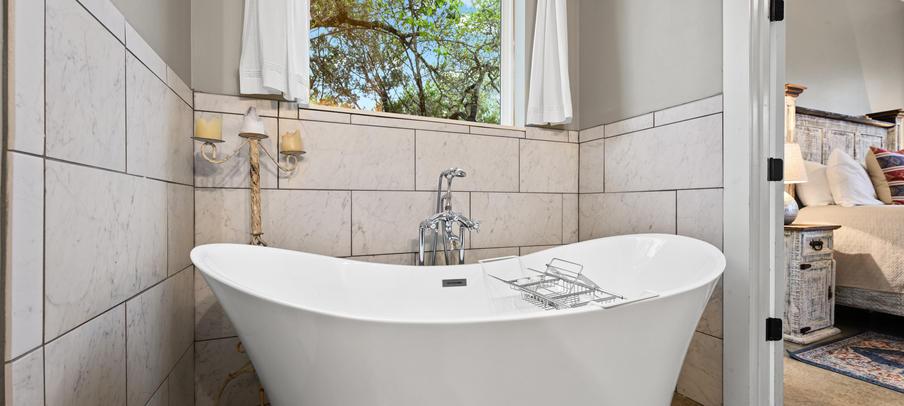 The Pauline soaking tub