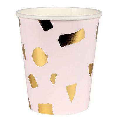 Papírový kelímek se zlatými detaily