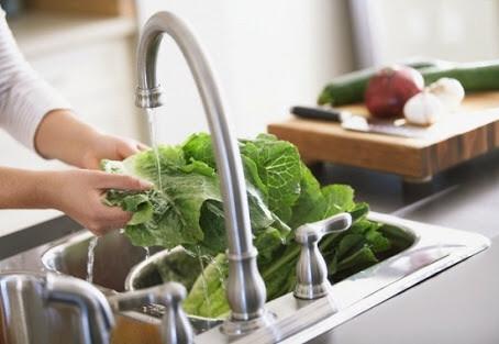 Limpar x Sanitarizar: você sabe a diferença para sua saúde?