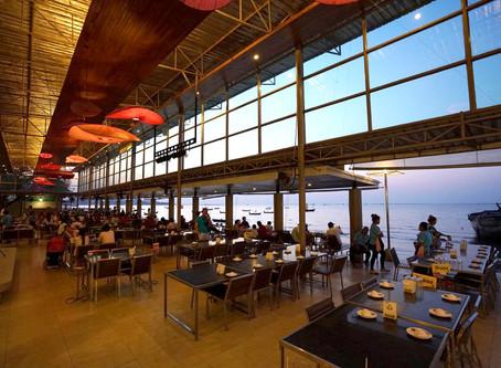 Mum Aroi Seafood Restaurant_(뭄 아러이 씨푸드 레스토랑)