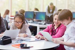 著名生物科學期刊最新研究:小班制有助於女孩學習STEM學科