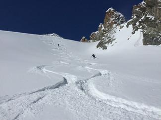 Ski sous le Piz Kesch aux Grisons
