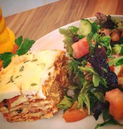 Lasagna w Salad