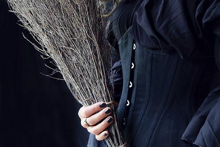 Broom-Corset.jpg