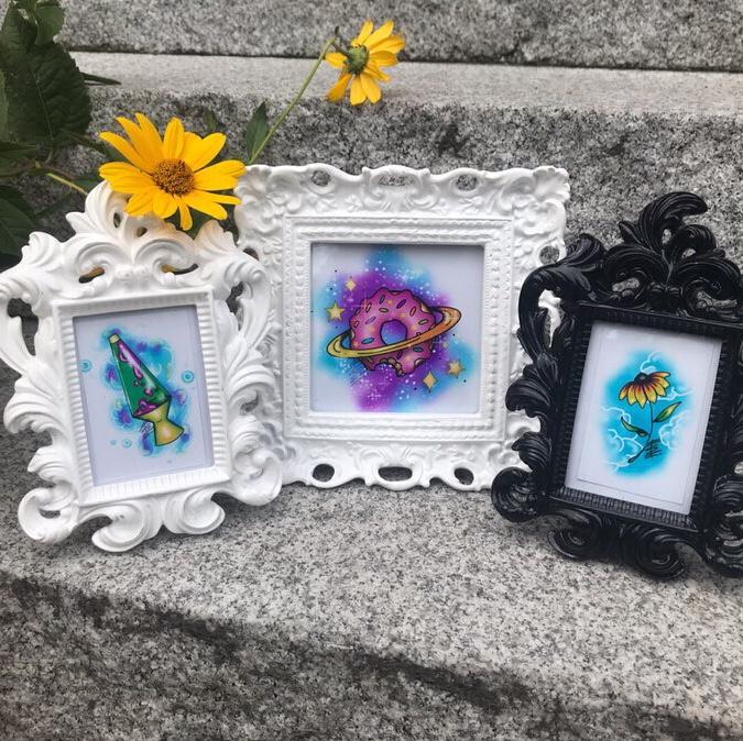 Flocked Frame Set