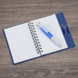 Caderneta com caneta
