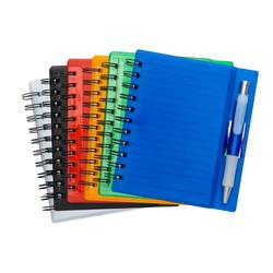 Caderneta com caneta cores