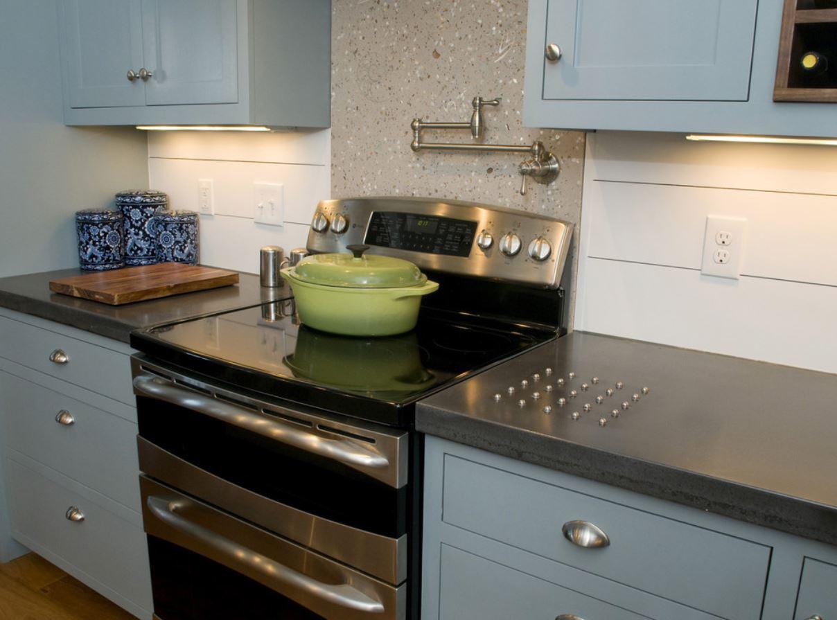 Kitchen Trivet.JPG