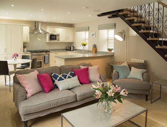 Le Petit - Lounge and Kitchen