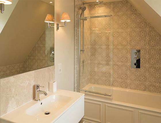 Le Petit - Bathroom