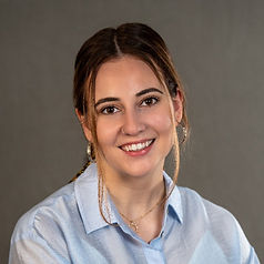 Luisa Headshot.jfif