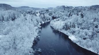 Rivière en hiver_1.1.1.png