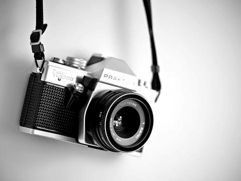 PHOTOGRAPHIC MARKET