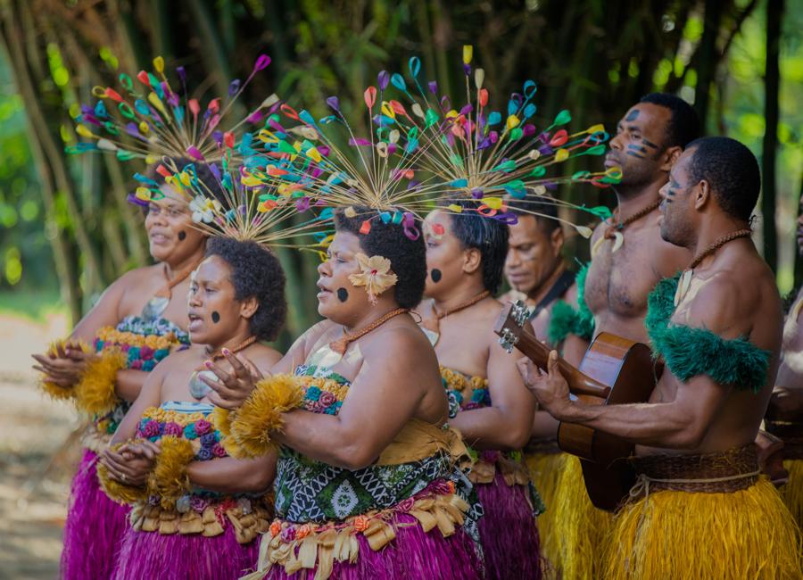 Fiji Trip Planner | GeoLuxe Travel | Fijian musicians
