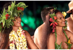 Tahiti Trip Planner | GeoLuxe | Tahitian women