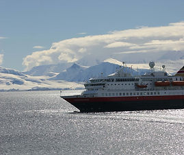 Cruise Trip Planner | GeoLuxe Travel | cruise ship in Antarctica