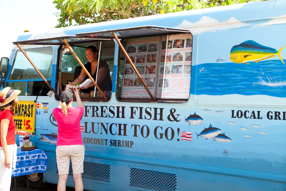 Hawaii Trip Planner | GeoLuxe Travel | fresh fish food truck