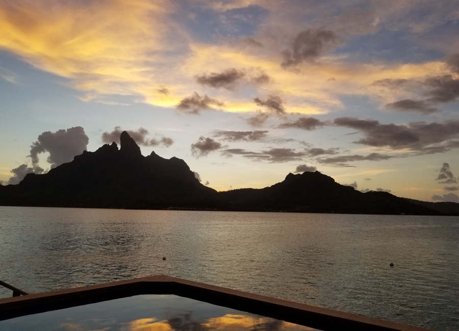 Tahiti Trip Planner | GeoLuxe | ocean at sunset