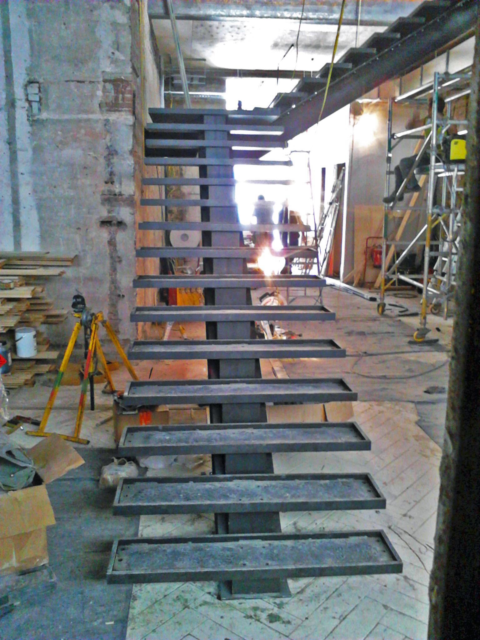 guillotine 108