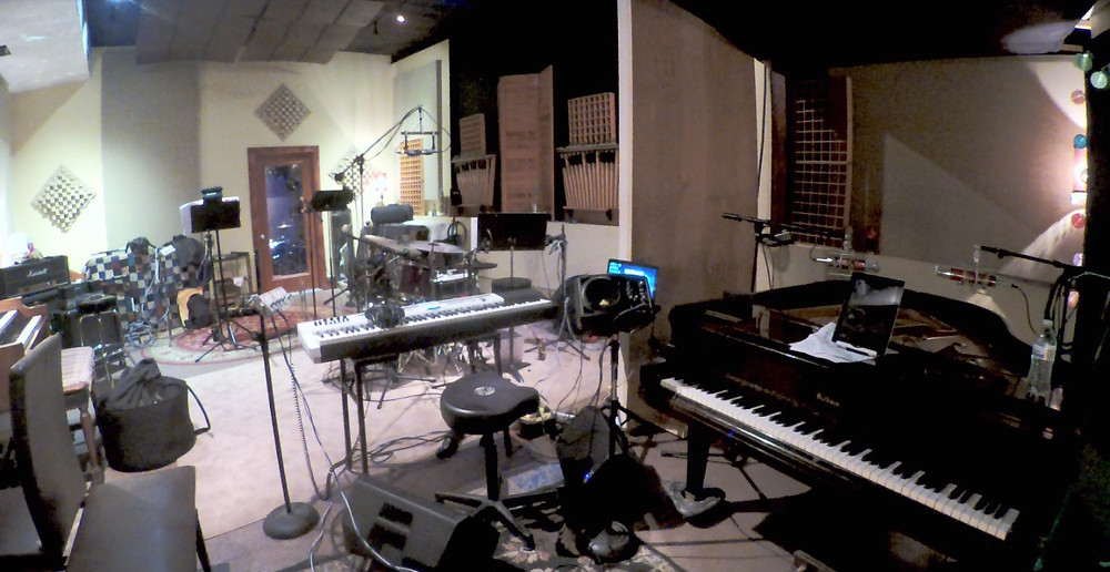 In Studio in St. Louis - busy recording pianist! jazz!