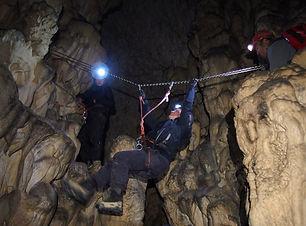 fossato-di-vico-escursione-grotta-di-mon