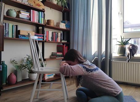 Restorative Yoga @ Home - Adem naar de rug