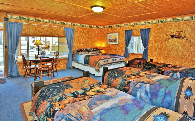 Cowboy-Cabin-Beds.jpg