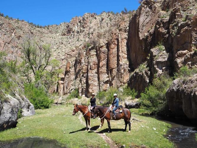 trail_riding_23-1.jpg