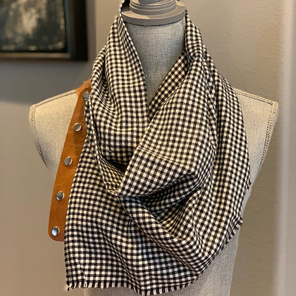 Black and White Houndstooth Snappie Scarf