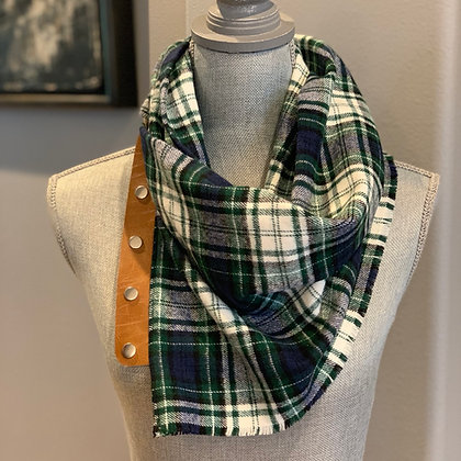 Navy, green and white plaid Snappie