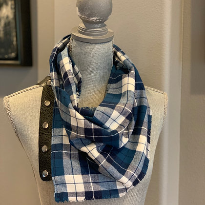 Blue and White Plaid Snappie Scarf