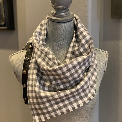 Gray and White Buffalo Plaid Snappie Scarf