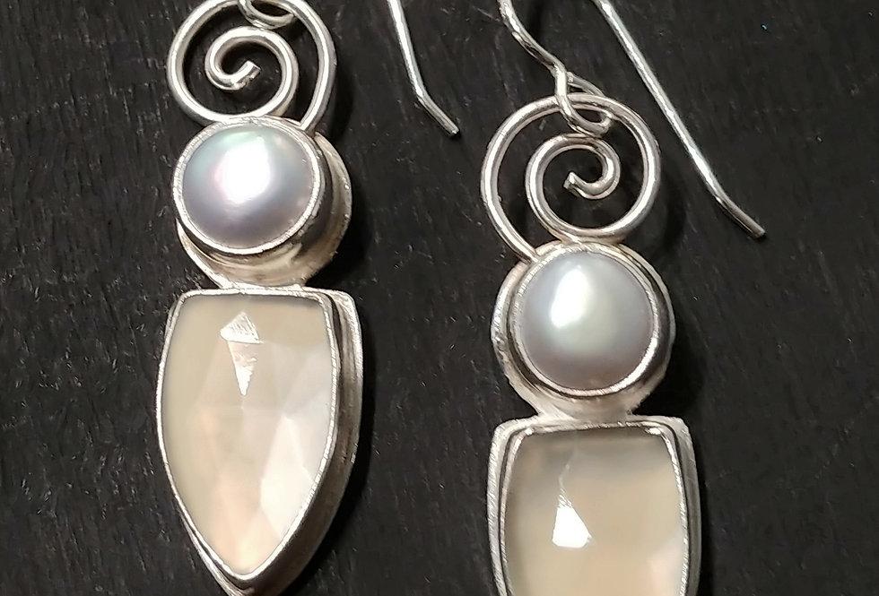 Moonstone & Pearl