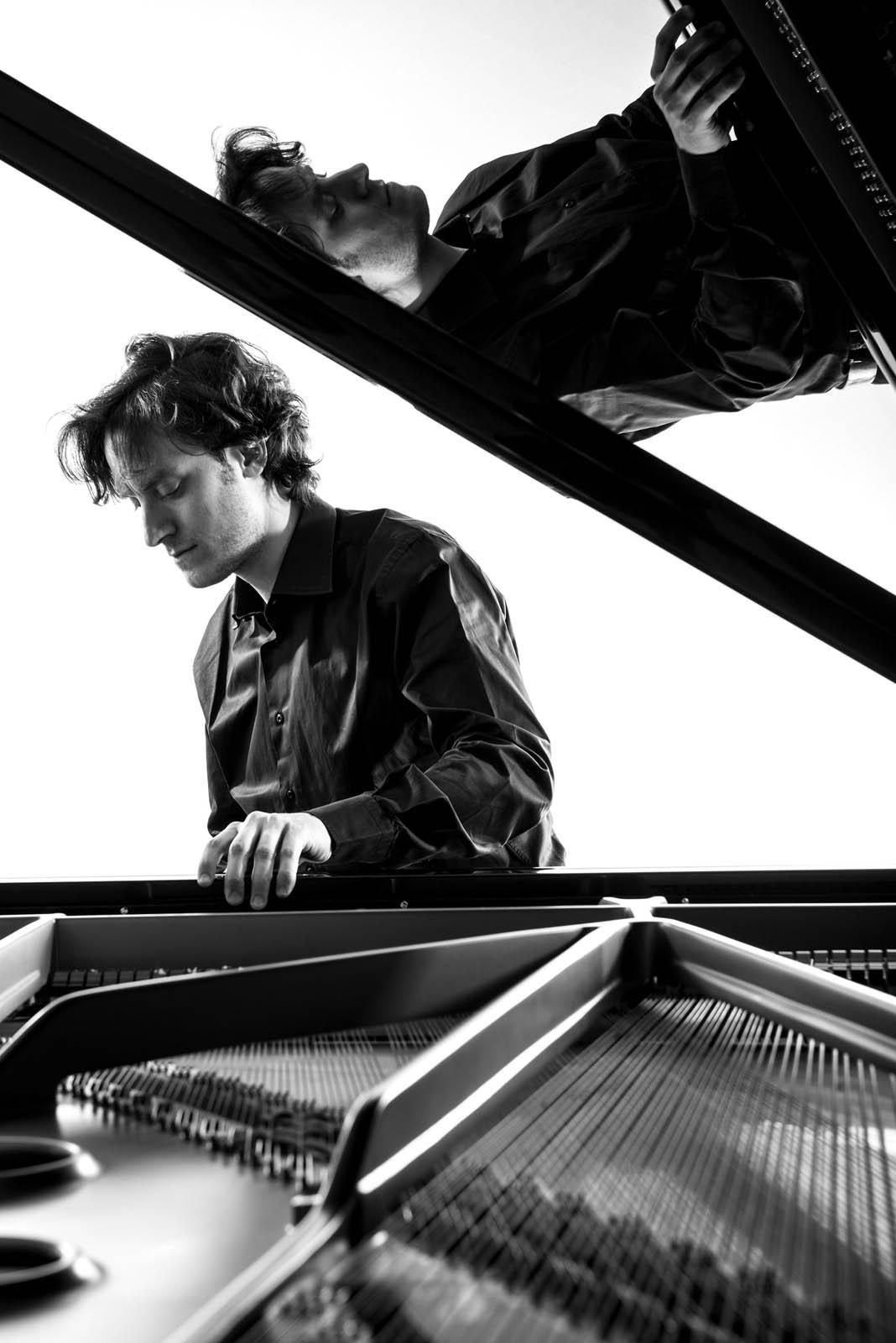 Alessandro Taverna pianista