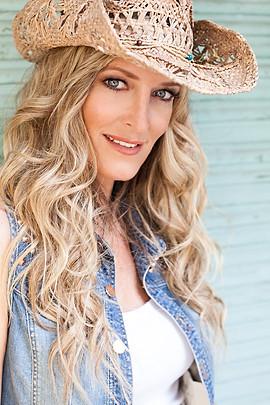 BiancaKarsten-Singer-web-2.jpg
