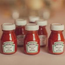 Have your favourite sauce personalised and share them with your guests as favours!