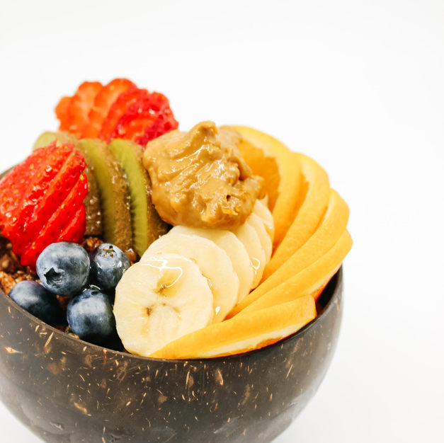 Morning bowl / Original Coco Whip, Our Crunchy Cacao & Almond Granola, Fresh Fruits & Maple Syrup