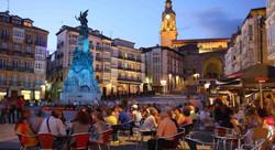 Place Vitoria Gasteiz en soirée