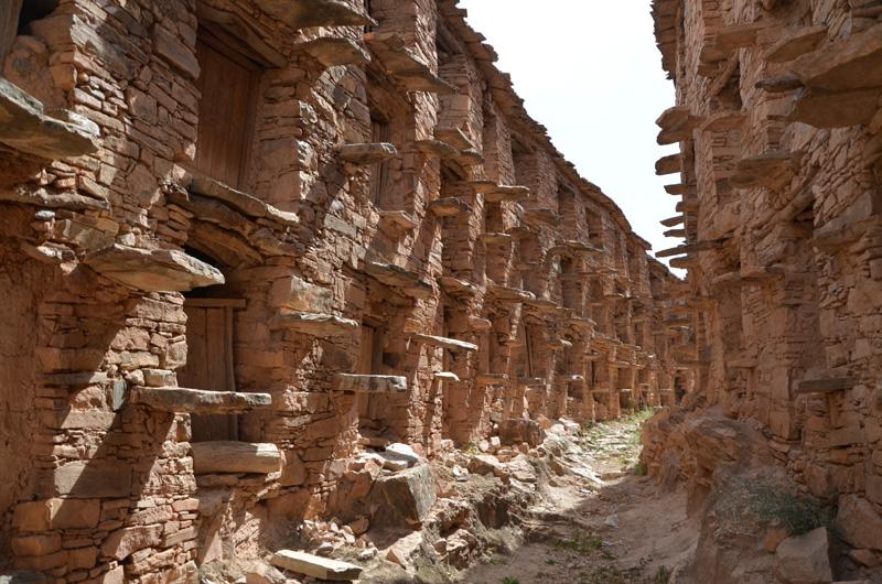 Les Greniers fortifiés | Inoumar