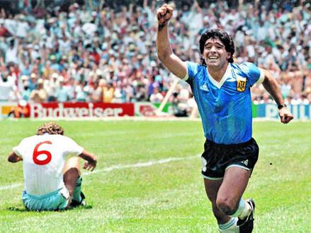 Zápisník Alexandra Vondry: Diego Maradona is dead