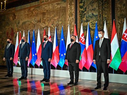Visegrádská čtyřka – třicet let nesourodého bloku mezi Berlínem a Moskvou
