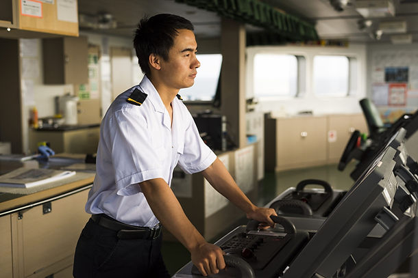 seafarers-feel-wages-are-stagnating.jpg