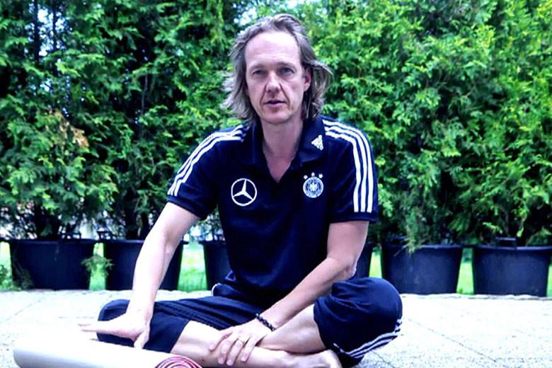 Patrich Broome. profesor de Yoga
