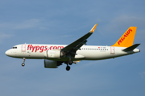 By sloppyperfectionist from Austria - Pegasus Airlines Airbus A320neo TC-NBR, CC BY-SA 2.0, https://commons.wikimedia.org/w/index.php?curid=82063586