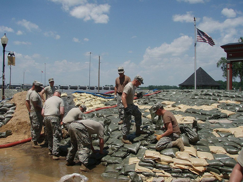 Soldiers of the Missouri Army National Guard sandbag the River in Clarksville, Missouri, June 2008, following flooding.